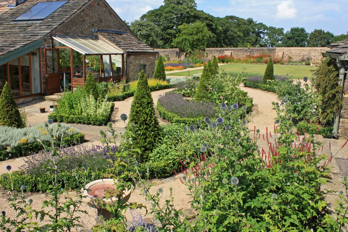 Walled Garden 08